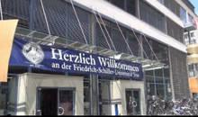 Studierende interessieren sich für PWB Rechtsanwälte – Karrieretag an der Uni Jena